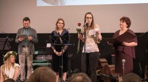 """Podelitev potopisnega priznanja """"mlada želva"""" 2020 Katji Sluga"""